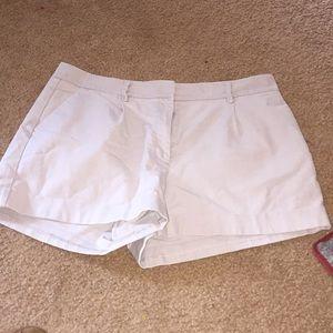H&M's khaki shorts